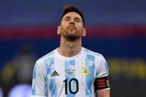 Kubok-Ameriki-Argentina-minimal'no-pobezhdaet-Paragvaj-i-shagaet-v-¼-finala