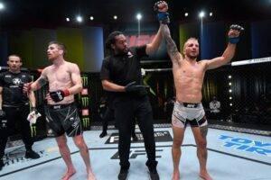 Ti-Dzhej-Dillashou-pobedil-Kori-Sendhagena-na-turnire-UFC-on-ESPN-27-v-Las-Vegase