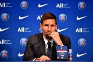 Messi-provel-press-konferenciyu-kak-igrok-francuzskogo-PSZH