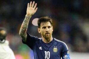 Messi-uhodit-iz-Barselony – emu-hoteli-obrezat'-zarplatu-i-Lionel'-obidelsya